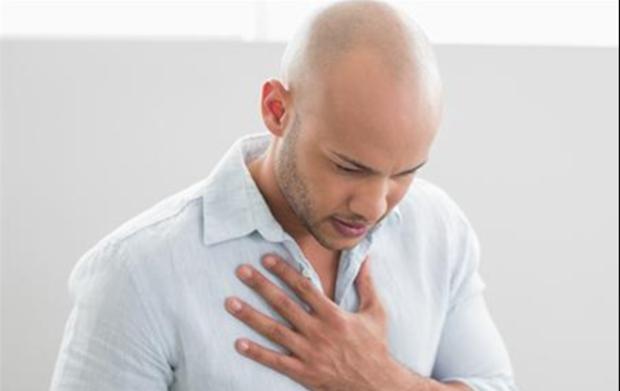 胸口闷疼是怎么回事_胸口闷是怎么回事_胸口疼是怎么回事_胸口中间疼是怎么回事 ...